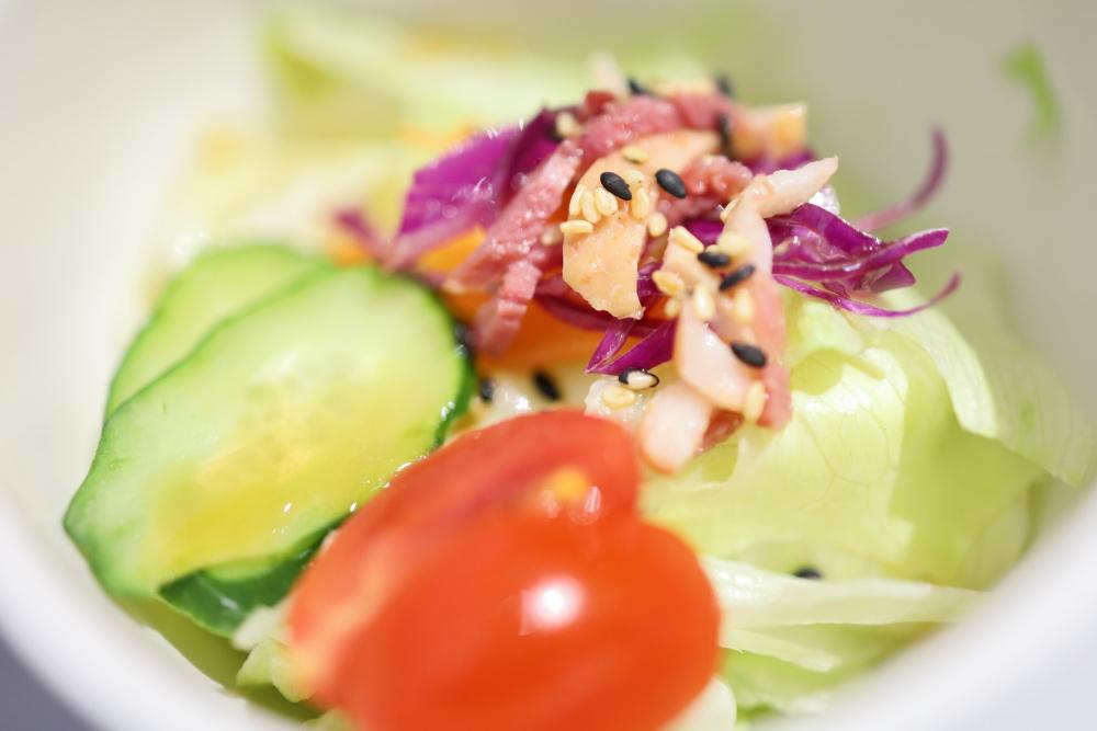 賞鐵板料理のサラダ