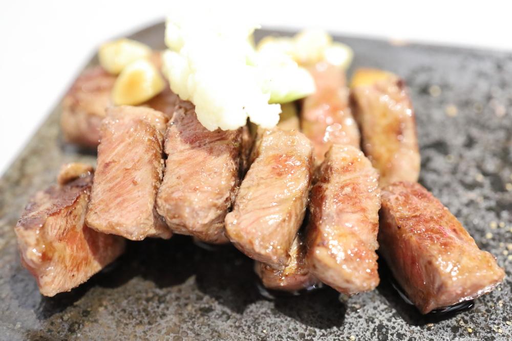 賞鐵板料理のステーキ