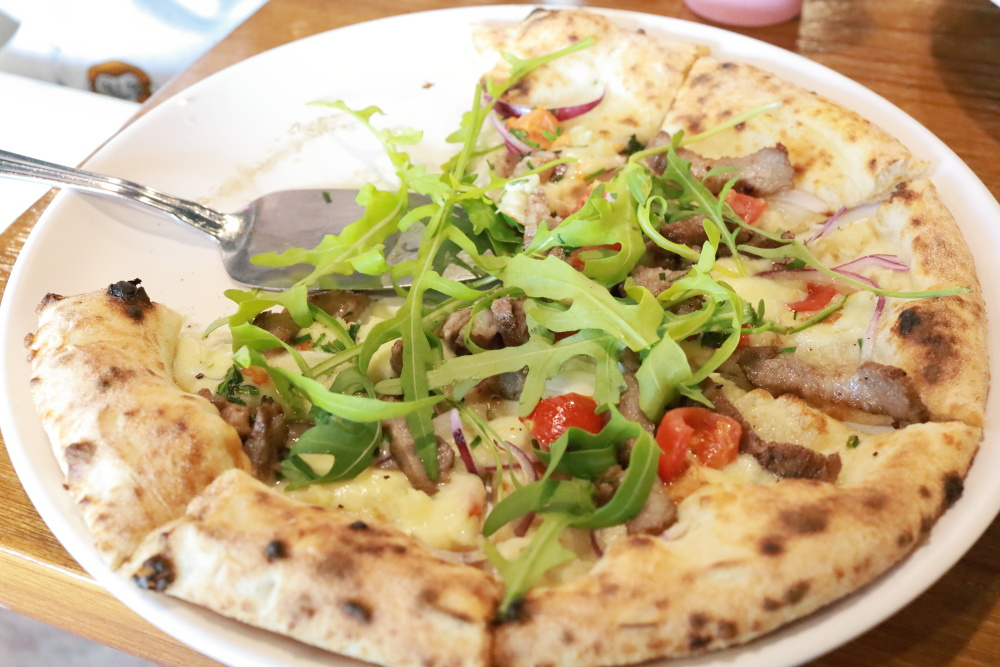 卡薩拿坡里披薩のピザ