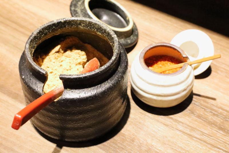 麺屋つばきのテーブル調味料